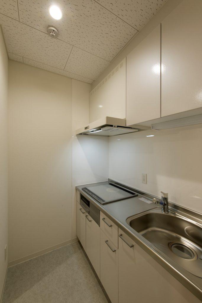 青島計画1階 湯佛室