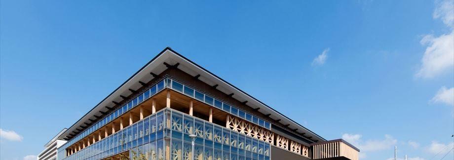 小林市新庁舎議会棟新築建築主体工事【外観・南東面】