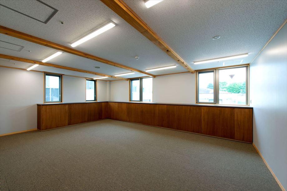 小林市新庁舎議会棟新築建築主体工事【3階 委員会室】