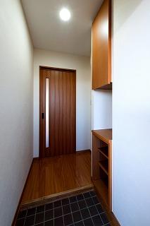 小林まちなか複合ビル(TENAMUビル)玄関