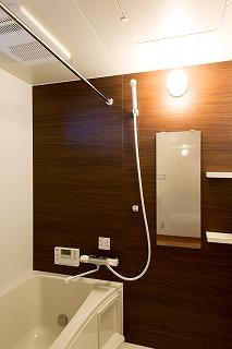 小林まちなか複合ビル(TENAMUビル)浴室