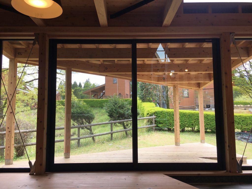 宮崎県ひなもり台県民ふれあいの森オートキャンプ場 木造キャビン整備事業1号棟ダイニング・テラス