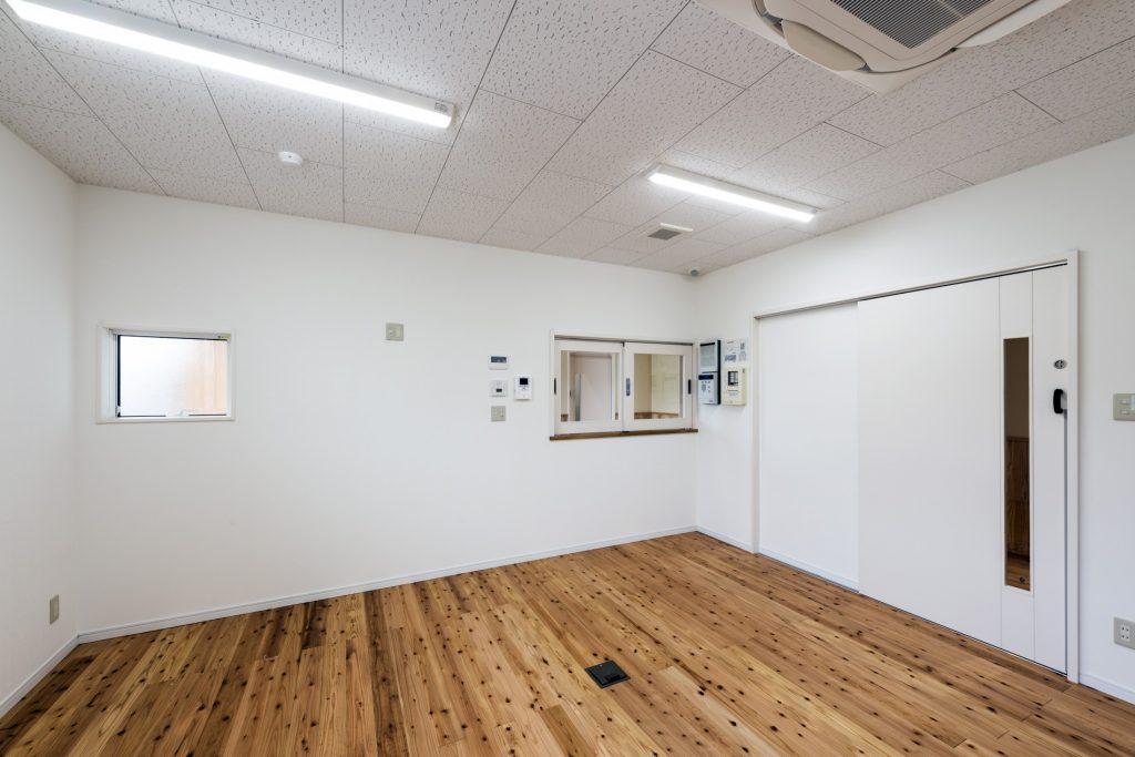 みなみえびの保育園新築工事事務室