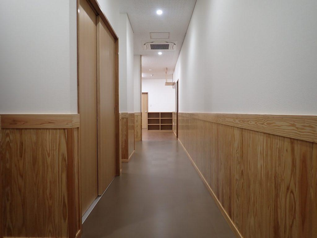 令和元年度 合板・製材・集成材生産性向上・ 品目転換促進対策事業 管理棟建設工事廊下
